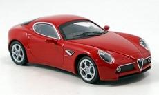Alfa Romeo 8C rot