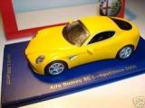 Alfa Romeo 8C gelb